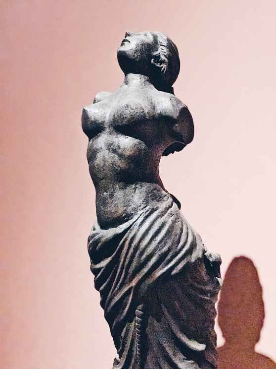 pexels-photo-statue